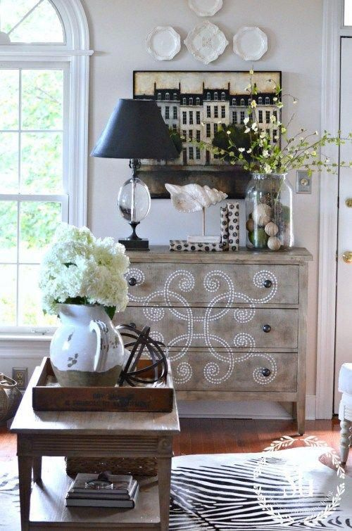 10 TIPS FOR DECORATING ON A BUDGET #Livingroomideas Living room