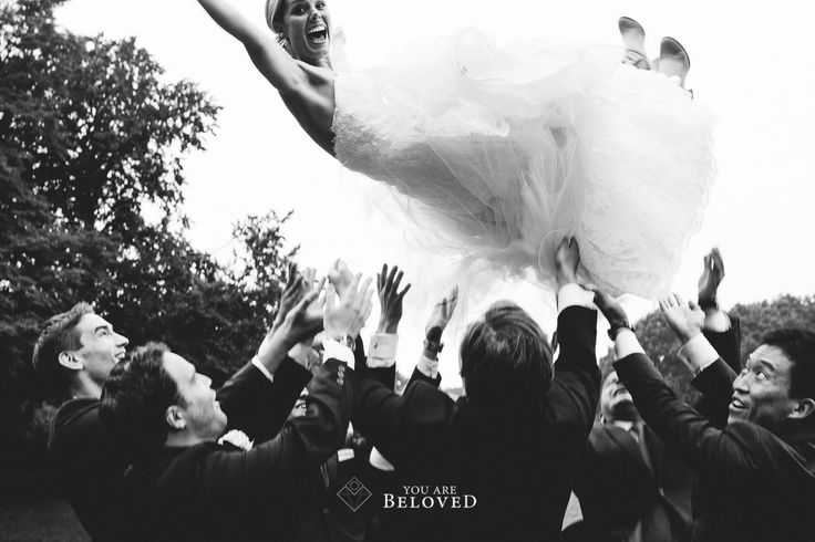 Awesome wedding photo! Flying bride - Photo credit: You Are Beloved (http://www.youarebeloved.nl/) #Weddingphotography