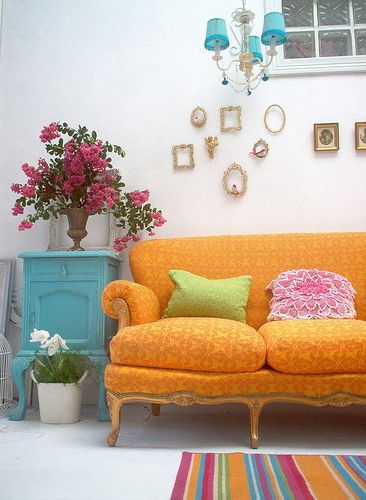 Best 18 Boho Chic Living Room Decorating Ideas Orange Couch 400 x 300