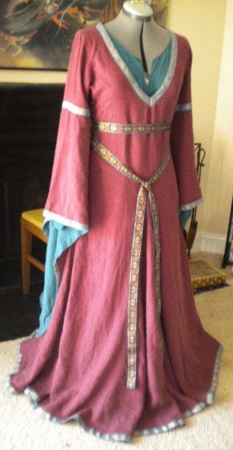 Idea for a Medieval Fair- 12th Century Style Bliaut