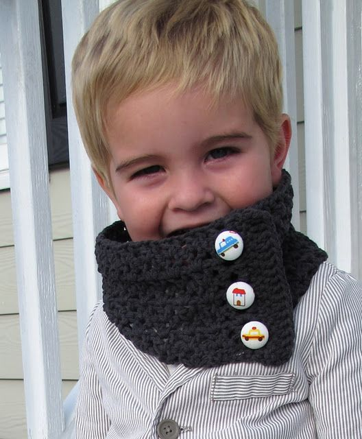 Toddler Scarflet {Free Pattern - boy & girl versions included}