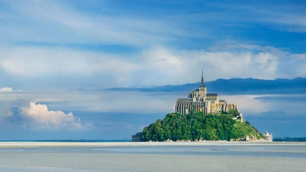 From coast to countryside in France: Michele Mount, Favorite Places, Dreams Travel, Places I D, Normandy Wild, Normandy France, Monte Stmichel, Monte Saintmichel, Monte St.