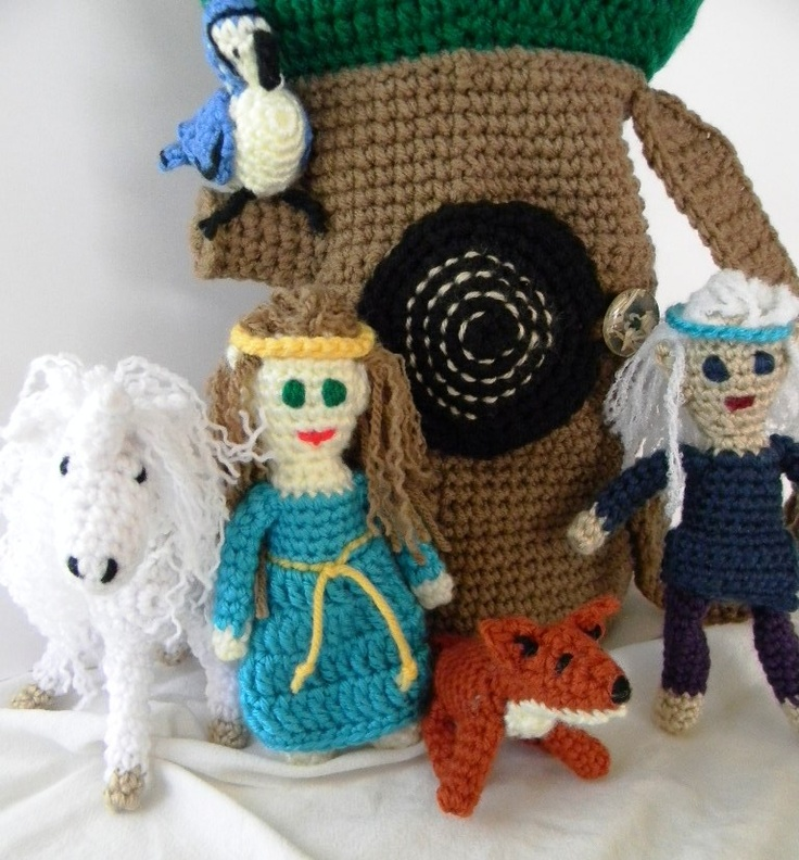 Bizzy Crochet: Fantasy Tree w/Elves & Animals Pattern: