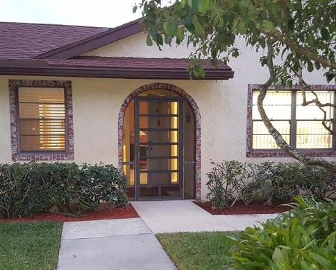 FSBO Boca Raton FL - Largest 2 bed/2 bath villa in Lakes of Boca Barwood with over 1600 square feet of living space in this 55+ community. Eat-in kitchen, cathedral ceilings in Living, Dining and Master Bedroom. Master suite features oversized walk-in closet (12 x 7) and private bath. Separate laundry room with storage and sink. High-end 18 x 18 porcelain tile throughout. Private dome-screened patio, almost 600 SF, with ceramic tile and private garden. Covered parking with storage unit...