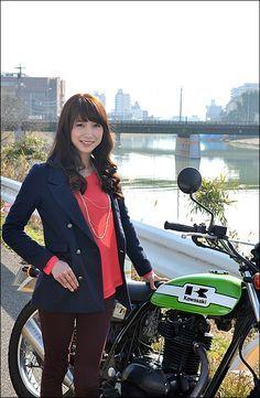SUMIKO / KAWASAKI 250TR ガールズライダー 【STREET-RIDE】ストリートバイク ウェブマガジン