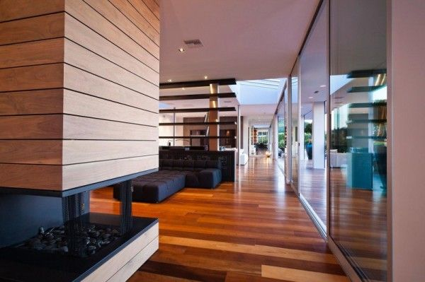Wooden Interior from Luxury Outdoor House with Swimming Pool in Beverly Hills LA1 600x399 Luxury Outdoor House with Swimming Pool in Beverly Hills, LA