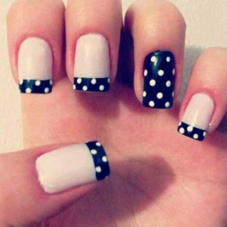 "Manicura con un toque de estilo ""pin-up"""