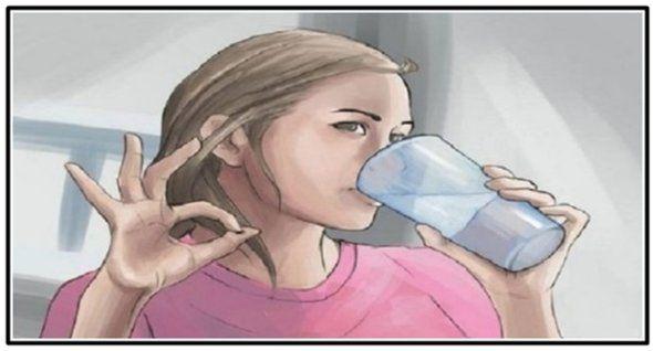 Nápoj, ktorý vám dnes ukážeme je jednou znajprospešnejších vecí, ktoré pre seba môžete urobiť. Jeho hlavným prínosom je, že detoxikuje váš organizmus, pomáha vám zbaviť sa nadbytočného tuku azrýchľuje metabolizmus Čo môže spôsobiť tuk voblasti brucha Pre mnoho ľudí je extrémne ťažké eliminovať nahromadené tukové depozity aschudnúť, hlavne voblasti brucha,