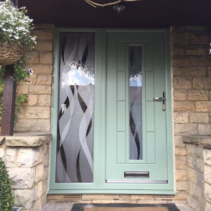 A chartwell Green Vermont with Haze glass. Fitted with a bespoke Haze glass side panel.  #Rockdoor #bespoke