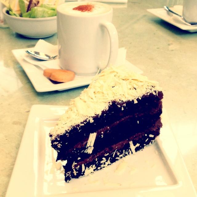 Cake Design Guatemala : Chocolate and nutella cake -le cafe, Guatemala city ...