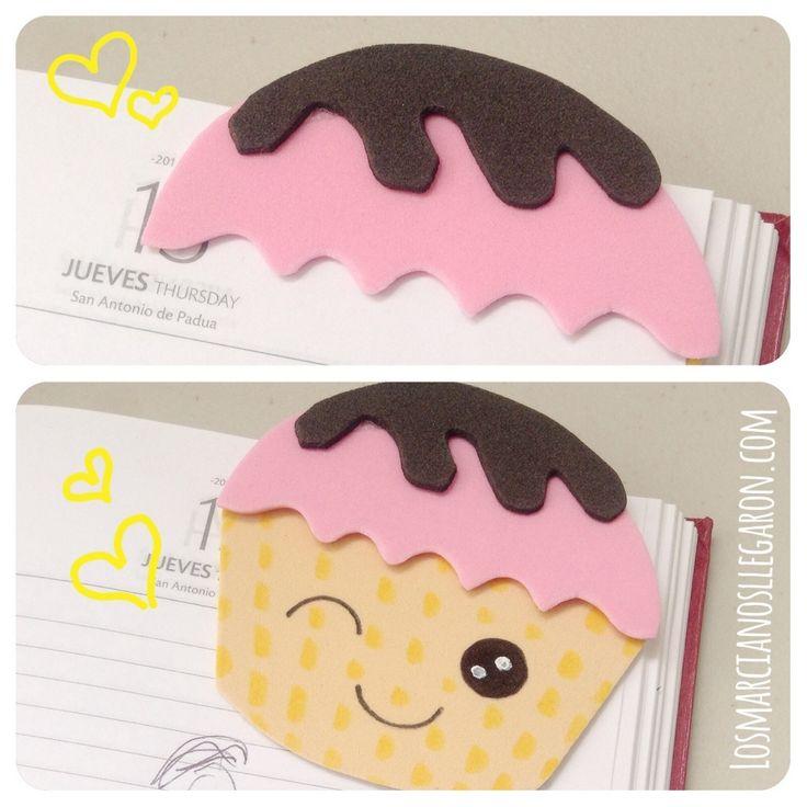 #Marcalibro en #Foami con forma de #Cupcake --> http://losmarcianosllegaron.com/2014/07/marcalibros-con-forma-de-cupcakes/