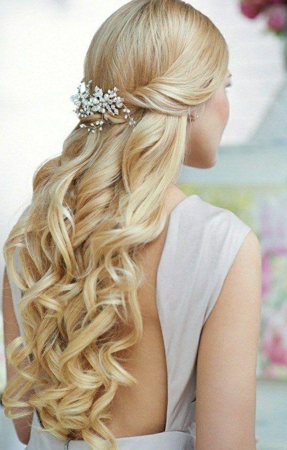 Die besten 25 Hochzeitsfrisuren offene Haare Ideen auf