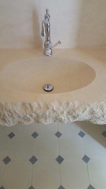 Lavabo  in pietra  leccese