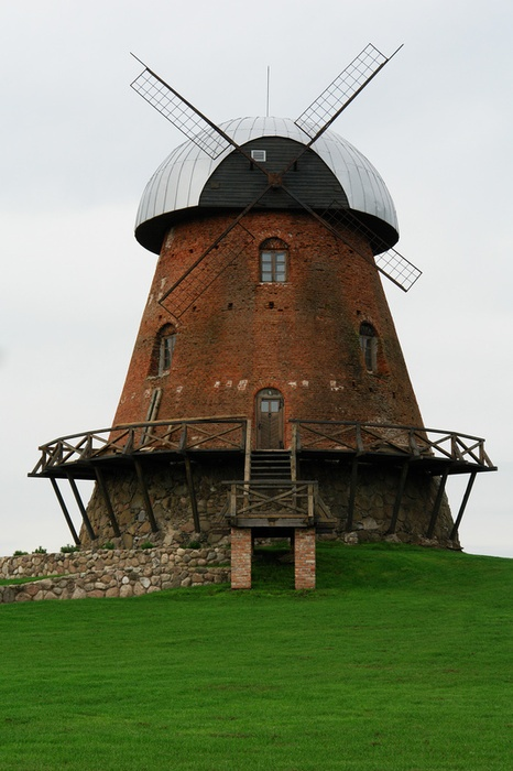 love the stone windmill...... love its short stocky architecture as well.... #holland #windmill #travel