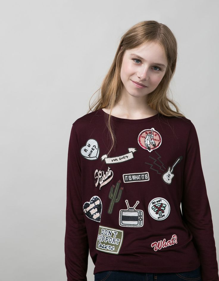 BSK patch detail top. Discover this and many more items in Bershka with new products every week