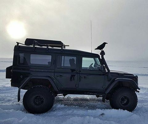 One raven and his #defender110csw by @eythorsno #landrover #landroverdefender #landroverphotoalbum @landrover @landrover_uk