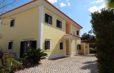Excellent south facing 4 bedroom villa at Monte da Quinta, Quinta do Lago, Algarve.