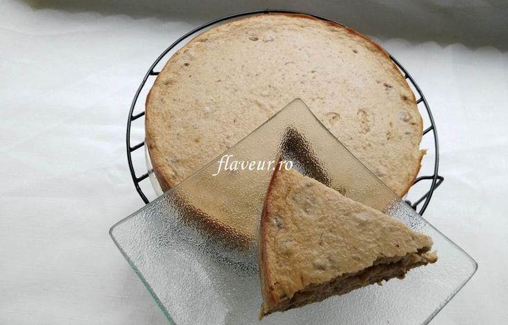 Tort cu blat de ovaz cu chia si crema de banane