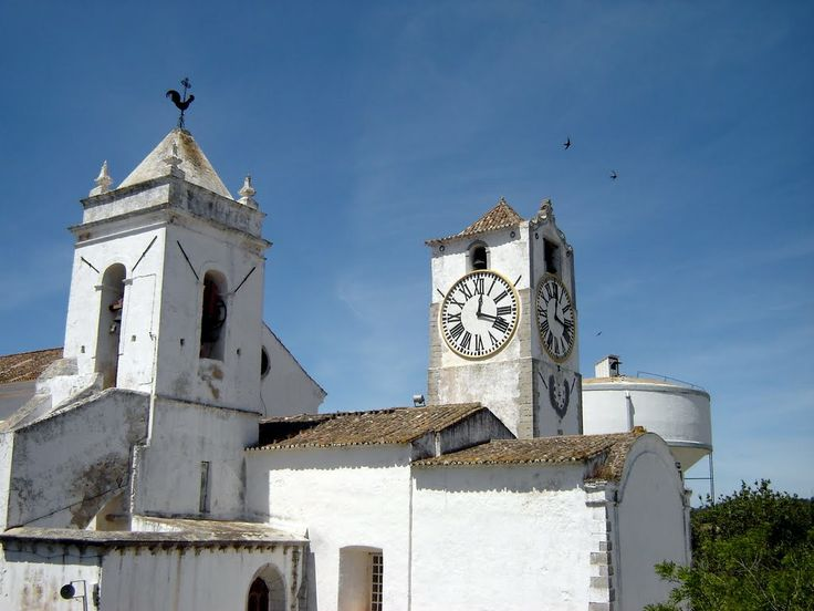 Igreja de Santa Maria do Castelo ou Igreja Matriz Tavira - Portugal - photo: Robert Bovington #Algarve #Portugal http://bovingtonbitsandblogs.blogspot.com.es/