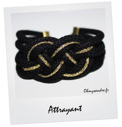 Bracelet noeud noir et son brin doré - Fait main