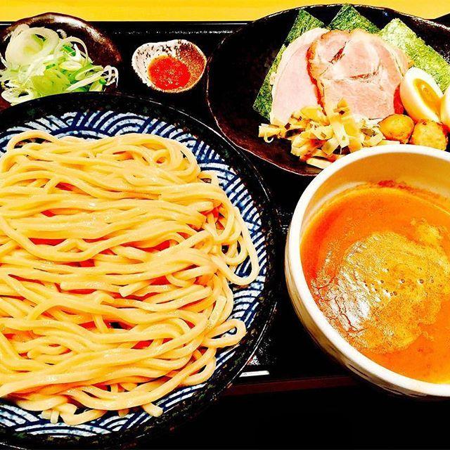 遂にアワード1位の道✨🙄 ほんまに1位たるを味で全部がほんまに美味やった! つけ麺部門は完璧道に決まったわ🤔  #japan #tokyo #top #noodles #lunch #sogood #good #meat #eggs #soup #hot #pork #yammy #delicious #awesome #travel #1 #best #ラーメン #ラーメン充 #つけ麺 #旅  #豚骨 #濃厚 #肉 #肉充電