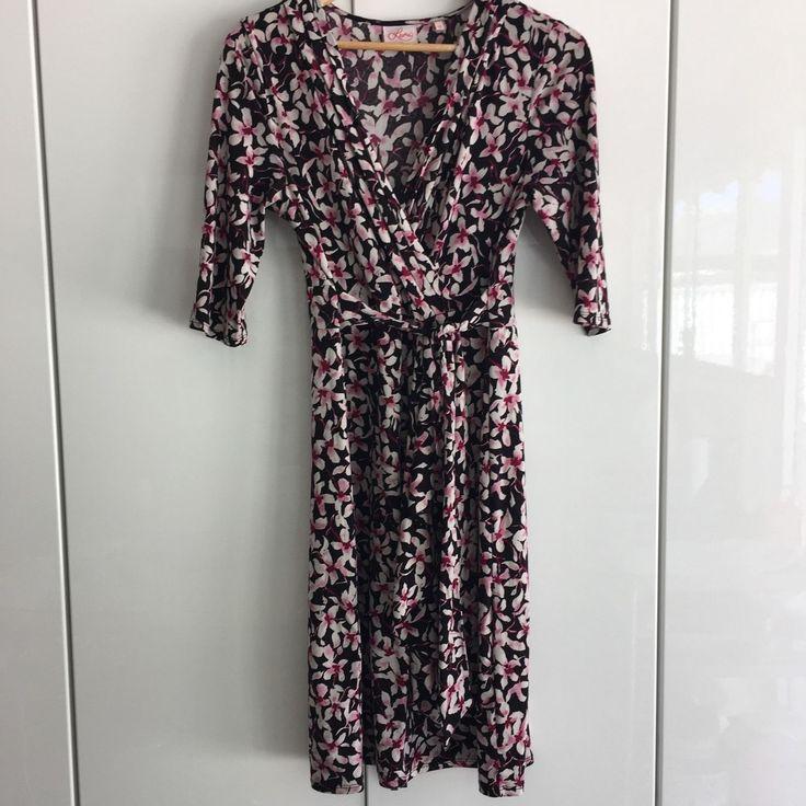 Leona Edmiston size 12, soft jersey stretch material, attached sash ties around waist. | eBay!