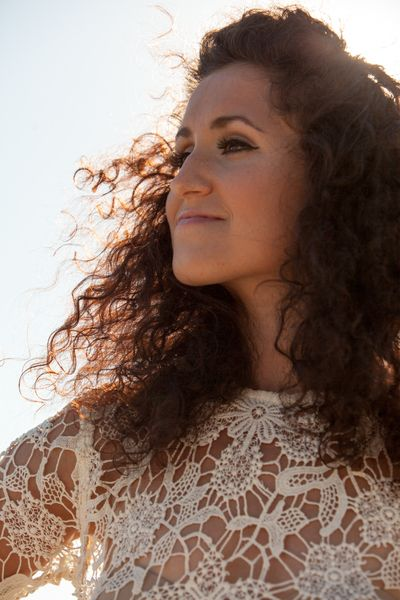 Check out Maria Mendes on ReverbNation