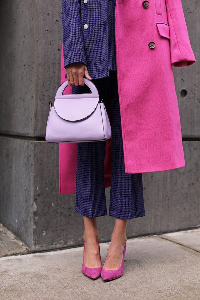 Blair Eadie in einem Anzug und Mantel von Topshop …