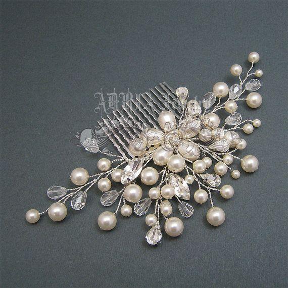 Peineta en pedreria y perlas