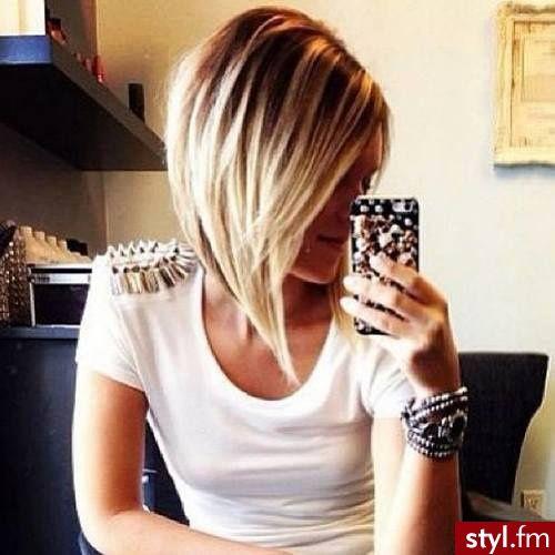 Fryzury Blond włosy: Fryzury Średnie Na co dzień Proste Rozpuszczone Blond - CzEkOlAdKa2010 - 2169585