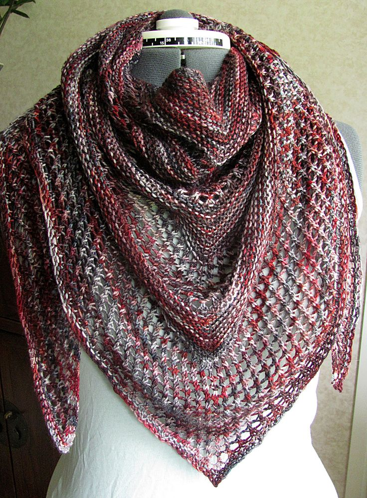 Reyna Shawl By Noora Laivola - Free Knitted Pattern - (ravelry)