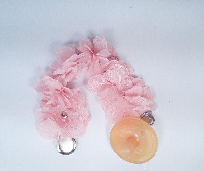 Zawieszka do smoczka. Piękne różowe kwiat. Idealna na co dzień, specjalne okazje czy prezent dla małej księżniczki.