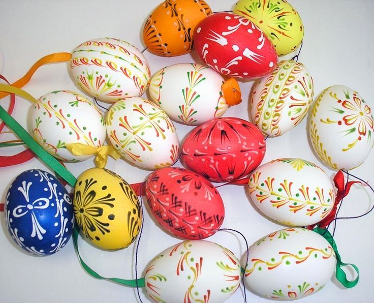 ... Eggs And Miniature Works Of Art Known As Kraslice, The Czech Word For  Easter Egg. Throughout The Czech Republic, The Beautiful Easter Egg Designs  ...