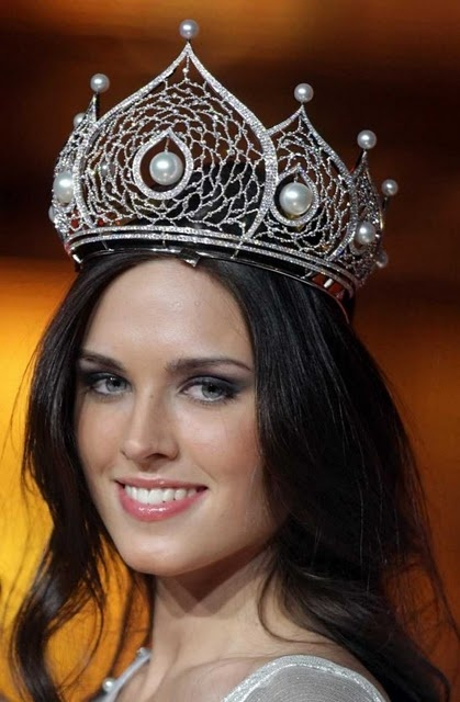 77 Best Crowns Pageant Images On Pinterest Beauty