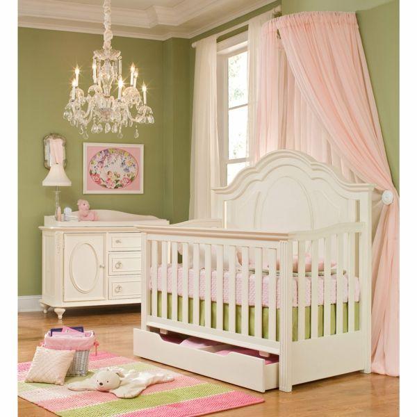 une chambre de petite fille et ciel de lit bb en rose
