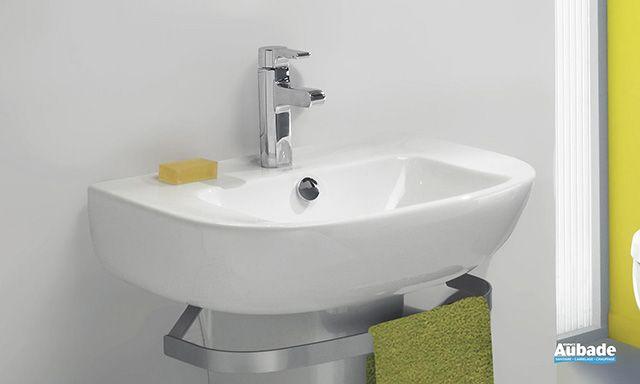 #design et pratique, le #lavabo suspendu Odeon Up Compact est la solution idéale pour #aménager une petite #salledebain. Son #design épuré lui permet de s'intégrer facilement à tout type d'#ambiances ou de #déco.