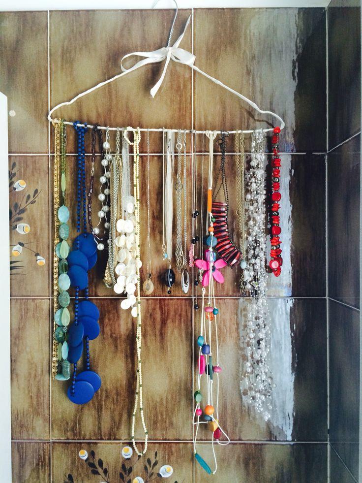 Le 17 migliori idee su appendi collane su pinterest - Porta collane da armadio ...