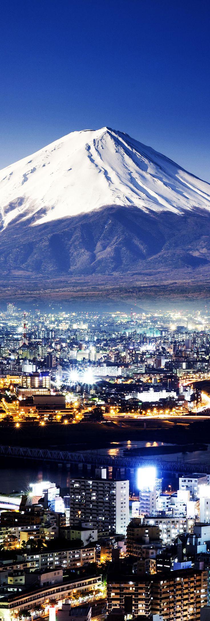Mount Fuji. Fujiyama, Beautiful Japan     |   Amazing Photography Of Cities and Famous Landmarks From Around The World