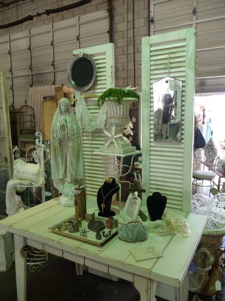 tabletop display: shutters