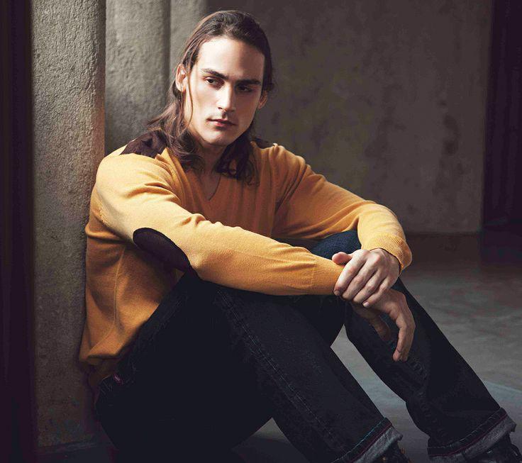 Long sleeve t shirt knit Daniel IDR 419.500,- & Pants denim Penney IDR 719.500,-