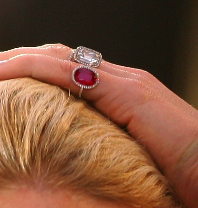 Gwyneth Paltrow's ruby... Gwyneth Paltrow Engagement Ring