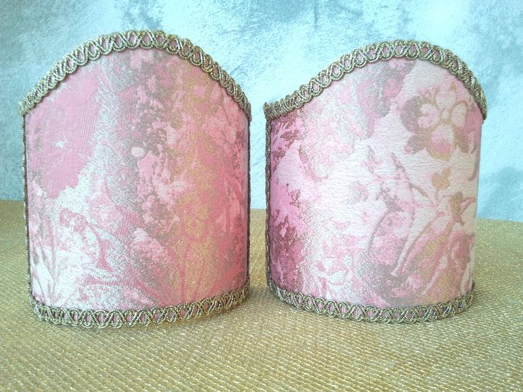 Couple of lampshades decorated with gorgeous operato jacquard textured  fabric with floreal patterns, finished with Gold precious trim. 54,00 €