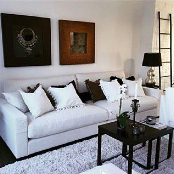 Vit Valen XL linnesoffa. Soffa, linne, dun, låg, djup, vardagsrum, möbler, inredning. http://sweef.se/soffor/149-valen-xl-soffa-i-linne.html