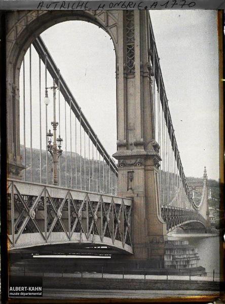 1913. Erzsébet híd.