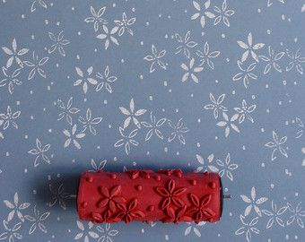 Patterned paint rollers from Paint & Courage, based in Slovakia, will give your walls the sophisticated modern vintage look. They come in a range of different designs and can not only be used on walls, but decorating your furniture or making patterned fabric and paper has never been easier.  The width of the rollers is 15 cm (ca. 6 inches). THE PATTERNED PAINT ROLLERS ONLY WORK WITH AN APPLICATOR. PLEASE MAKE SURE YOU ORDER AN APPLICATOR TOO - THANK YOU  Painting with a pattern paint roller…