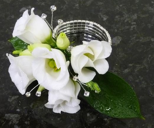 Wedding corsage from Cottonbuds Florists Northmpton