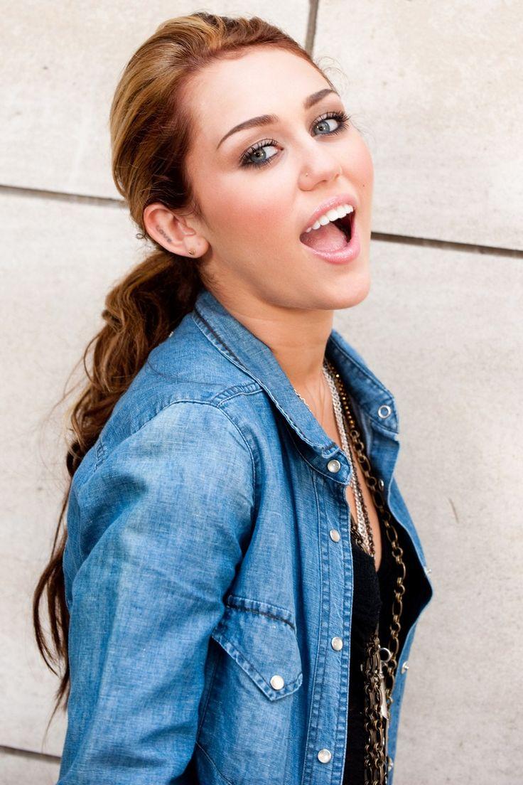 Miley Cyrus 2010