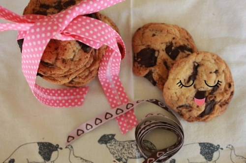 Cookies de chocolate exprés  http://artschocolates.wordpress.com/2012/05/14/cookies-de-chocolate-expres/