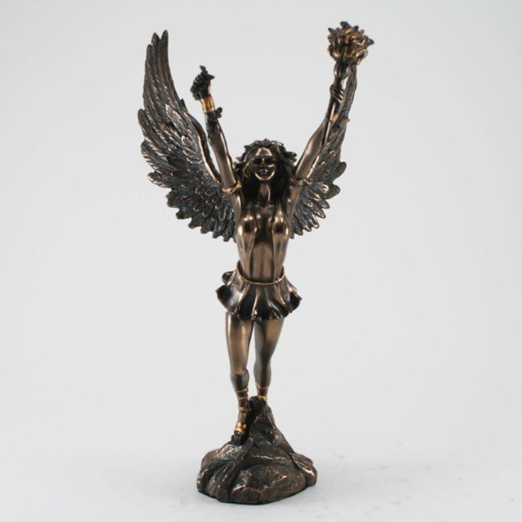 deko skulptur nike siegesg ttin bronziert figuren skulpturen mythologie pinterest. Black Bedroom Furniture Sets. Home Design Ideas