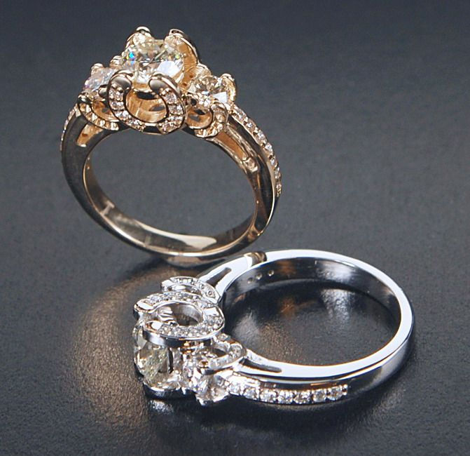 Horse Shoe Engagement Ring I This Has To Be My